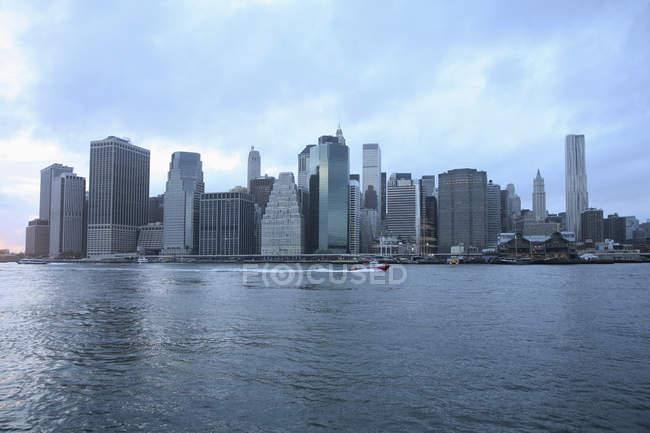 Manhattan skyline seen from opposite shore — Stock Photo