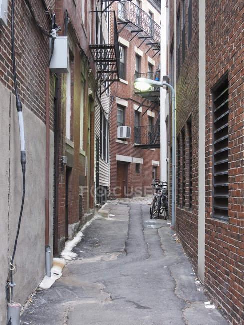 Просмотр ветхих городских переулок пути — стоковое фото