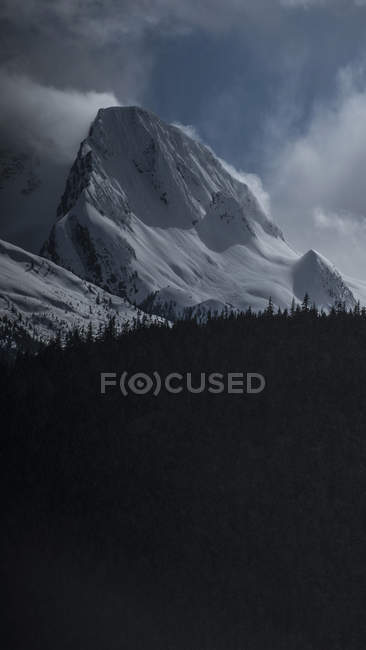 Scenic view of snowcapped mountain against sky, Tantalus, British Columbia, Canada — Stock Photo