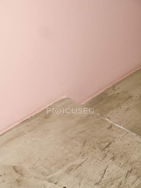 Detail of pink wall and concrete steps — Stock Photo