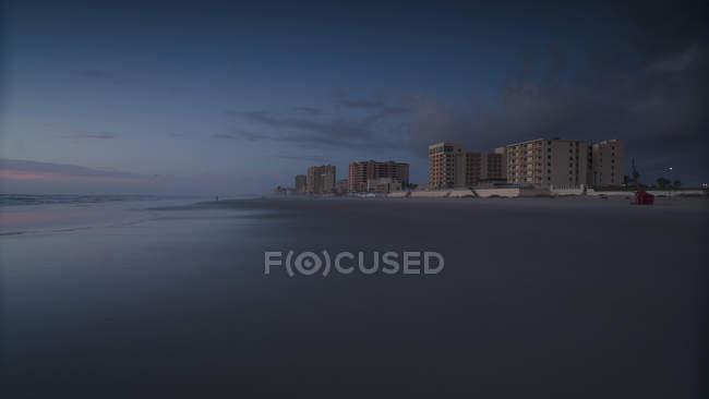 Vista scenica della spiaggia contro il cielo durante il tramonto, Daytona, Florida, Stati Uniti — Foto stock