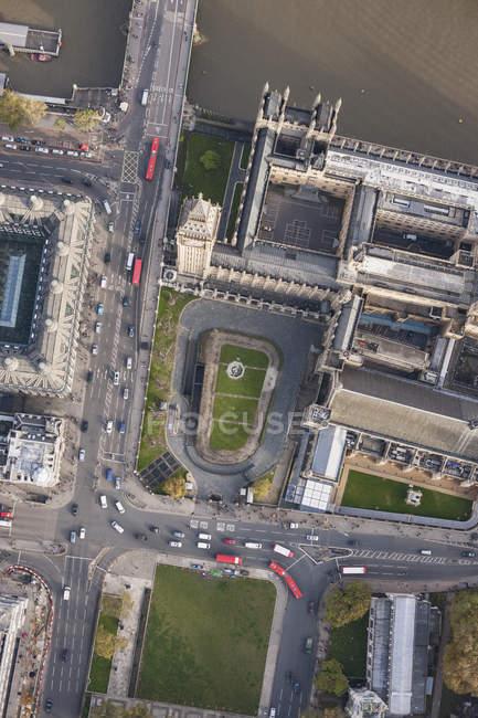 Безпосередньо над подання Біг-Бен та Вестмінстерський міст біля річки Темза, — стокове фото