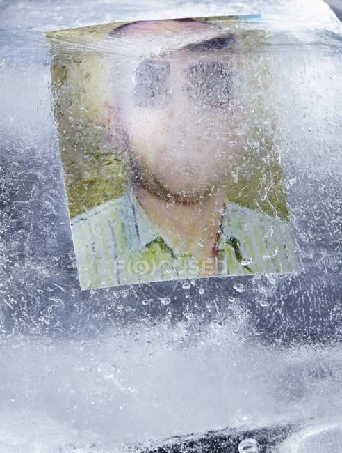 Фотографія людини в льоду — стокове фото