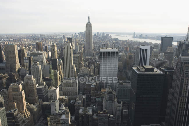 Aerial view of Empire State Building and New York City skyline — Stock Photo