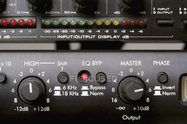 Full frame shot of dials on amplifier — Stock Photo