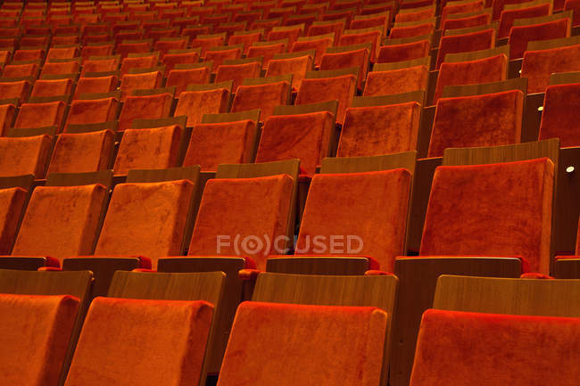 Полный кадр выстрел пустых мест в театре — стоковое фото