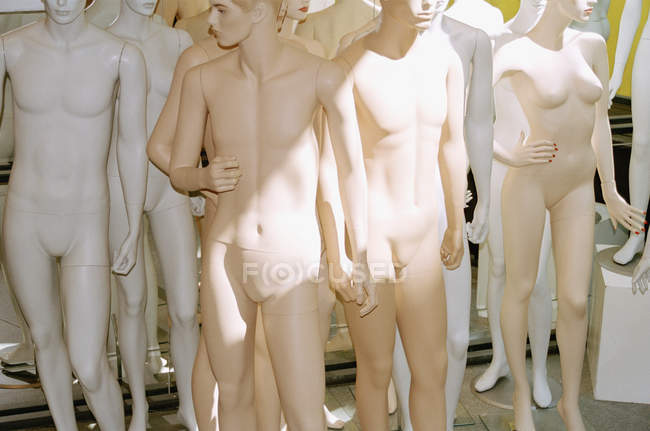 Group of nude mannequins in sunlight — Stock Photo