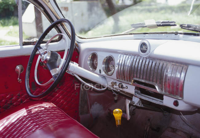 Interior of vintage car with red leather — Stock Photo