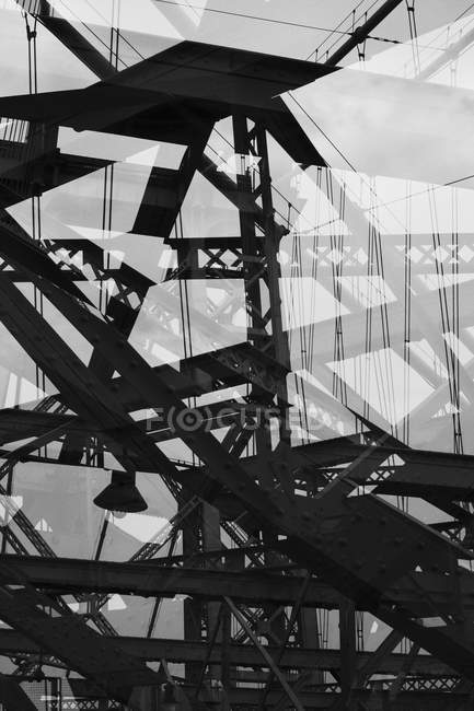 Esposizione multipla di travi di acciaio del ponte — Foto stock