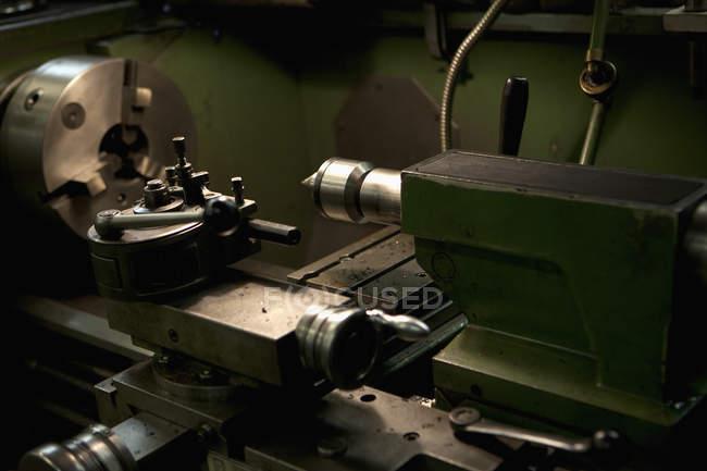 Drehmaschine werkseitig im Innenbereich — Stockfoto