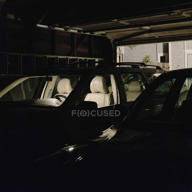 Empty front seats in parked car — Stock Photo
