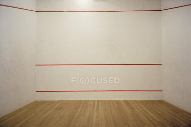 Vista interior del vacío de squash - foto de stock