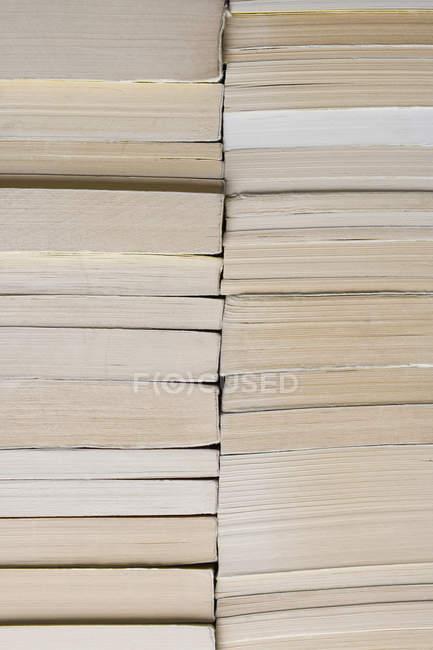 Повний кадр постріл з накопиченням книг — стокове фото