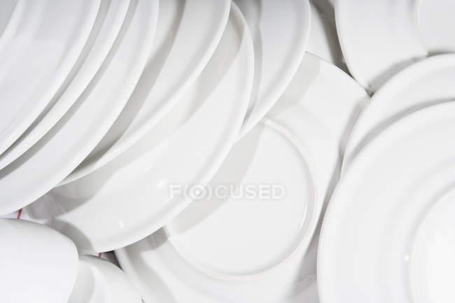 Plan plein cadre og pile de plats propres — Photo de stock
