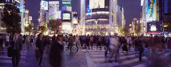 Panoramic view of Shibuya Crossing, Tokyo, Japan — Stock Photo