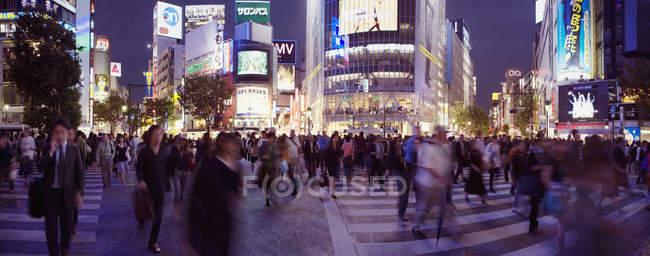 Panoramic view of Shibuya Crossing, Tokyo, Japan — Stock Photo