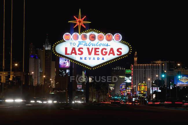 Bienvenido a Fabuloso signo de Las Vegas - foto de stock