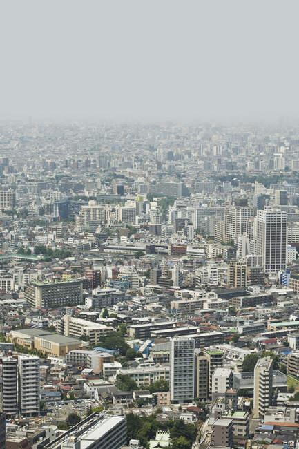 Vue aérienne sur le quartier de Shinjuku, Tokyo — Photo de stock
