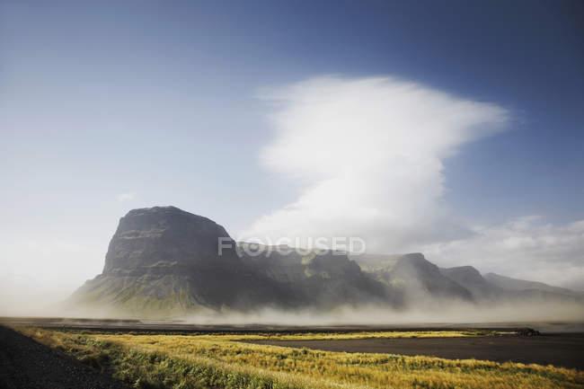Malerische Landschaft des Monte Lomagnupur, Nupsvotn, Island — Stockfoto