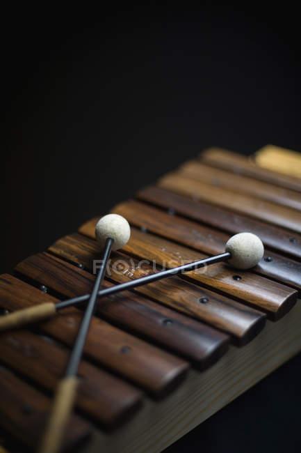 Natureza morta de paletes arranjados em xilofone — Fotografia de Stock