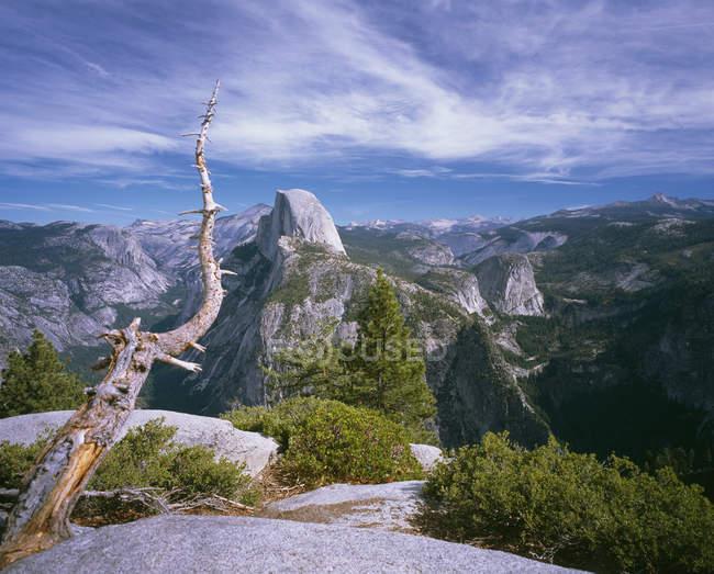 Gamas de paisaje escénico de la montaña, Parque Nacional de Yosemite, Sierra Nevada, California, Usa - foto de stock