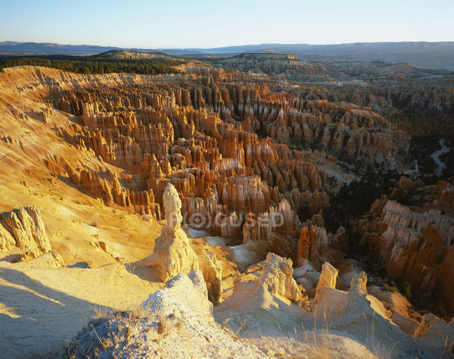 Aerial view of sunlit rock formations, Bryce Canyon, Utah, USA — Stock Photo