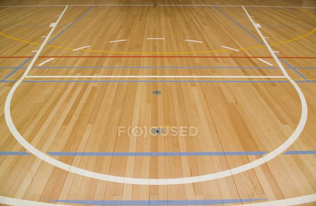 Fechar a quadra de basquete vazio — Fotografia de Stock