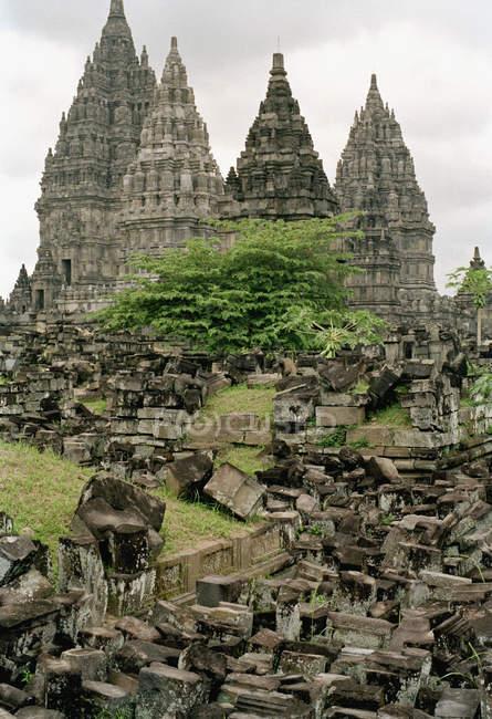 Vue extérieure du temple de Prambanan, Java, Indonésie — Photo de stock