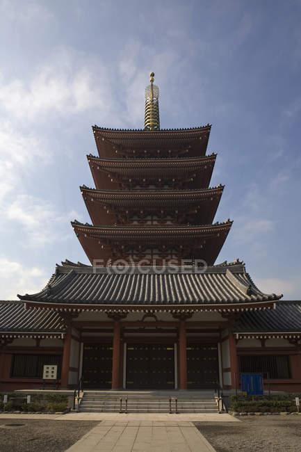 Vista exterior del templo de la pagoda oriental - foto de stock