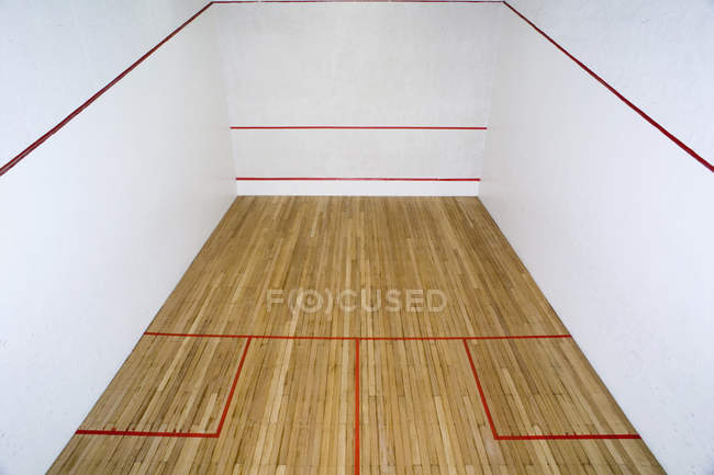 High angle interior view of squash court — Stock Photo