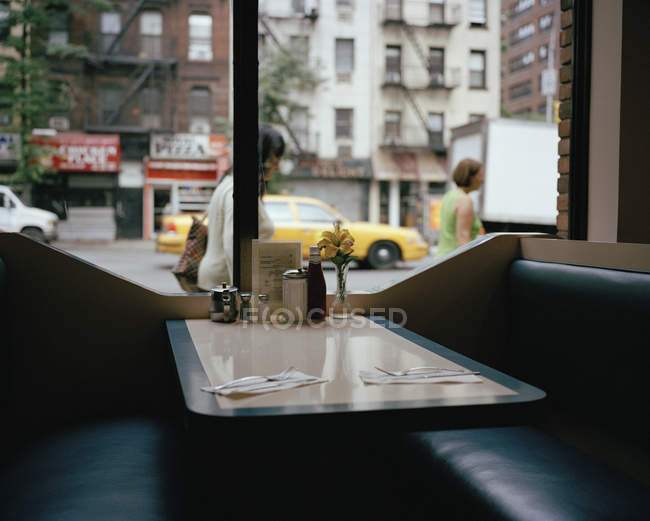 View to empty booth in diner cafe — Stock Photo