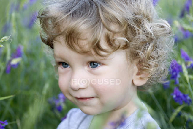 Portrait of a young boy looking away — Stock Photo