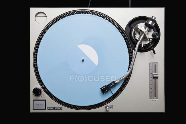 Directly above view of turntable with vinyl record — Stock Photo