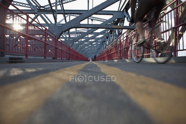 Surface level view of Williamsburg Bridge walkway, New York City, NY, USA — Stock Photo