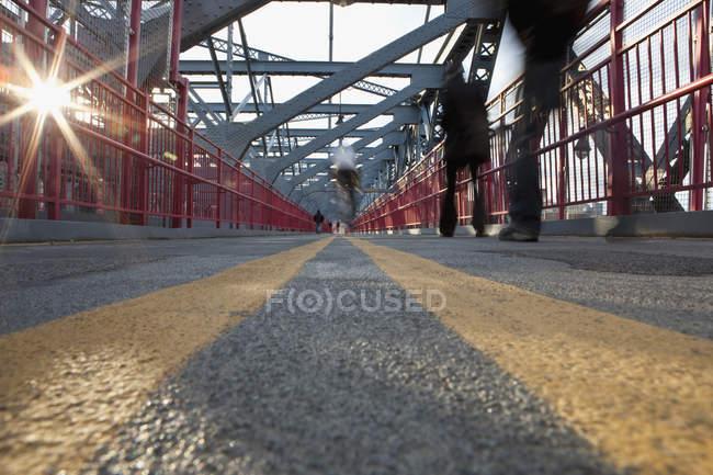 Passarela da ponte de Williamsburg, New York City, NY, EUA — Fotografia de Stock