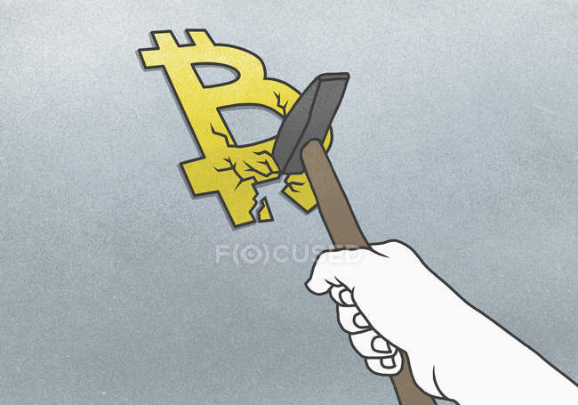 Cropped hand breaking Bitcoin symbol with hammer on gray background — Stock Photo