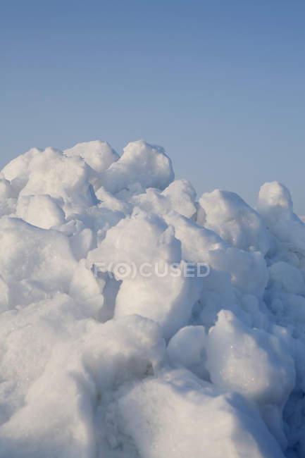 Vista de perto da pilha de neve — Fotografia de Stock