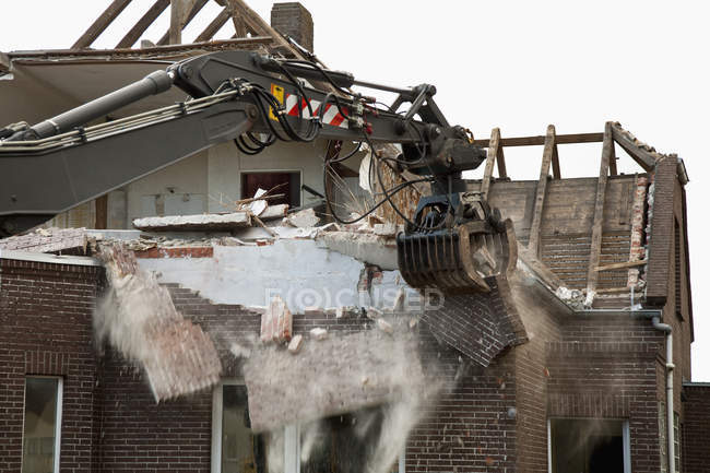 Exterior of abandoned house while demolishing — Stock Photo