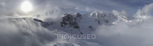 Панорамный вид на Bermina горный хребет Дьяволецца, Швейцария — стоковое фото
