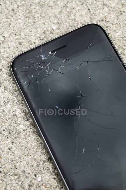 Close up cracked smart phone — Stock Photo