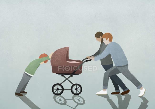Дитина опір батьків, штовхаючи дитячою коляскою — стокове фото