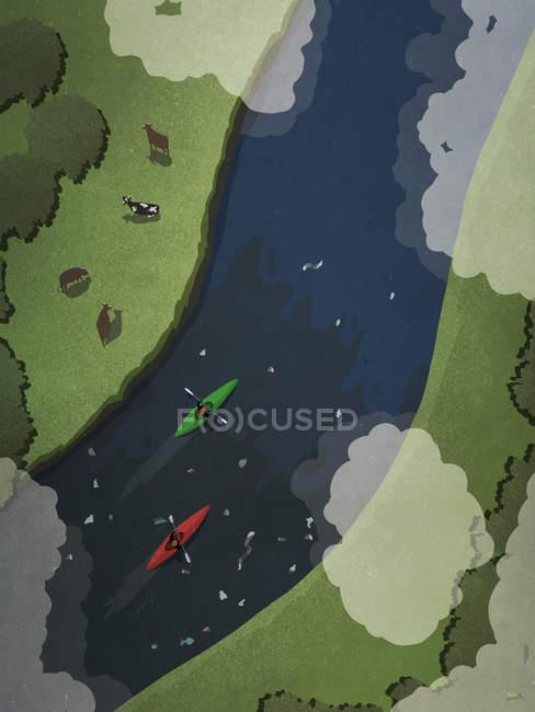Вид сверху на каякеры на загрязненной реке — стоковое фото