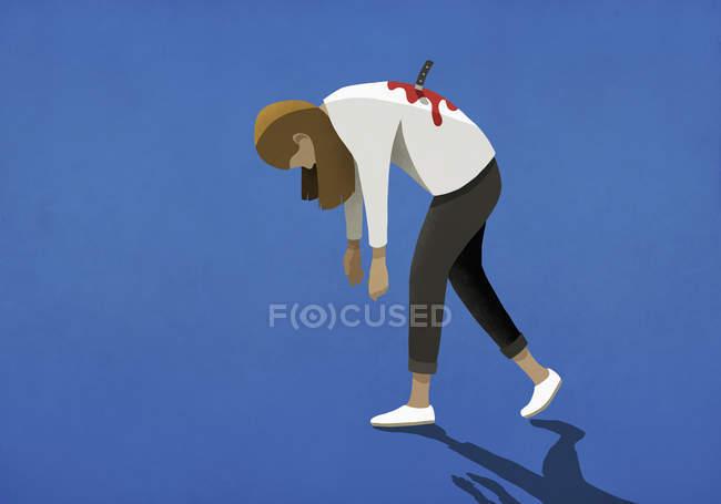 Жінка ножем у спину з ножем — стокове фото