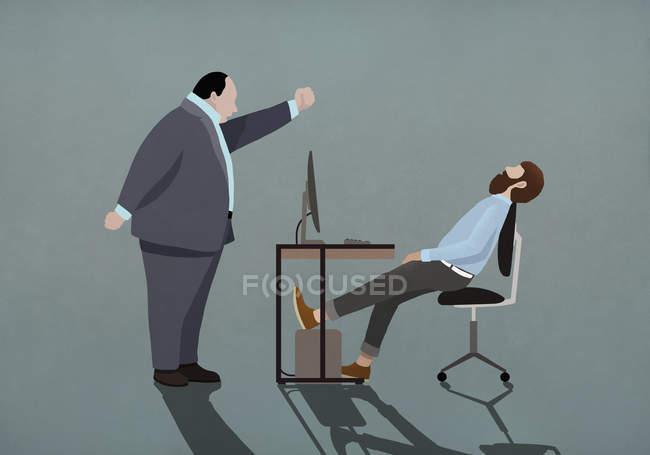 Arrabbiato capo agitazione pugno a dormire uomo d'affari in ufficio — Foto stock