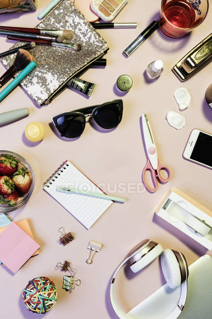 View form above personal belongings on messy desk — Stock Photo