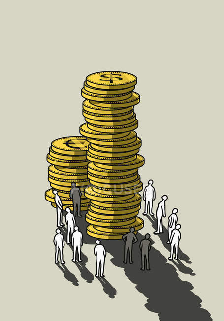 People looking up at tall stacks of coins — Stock Photo