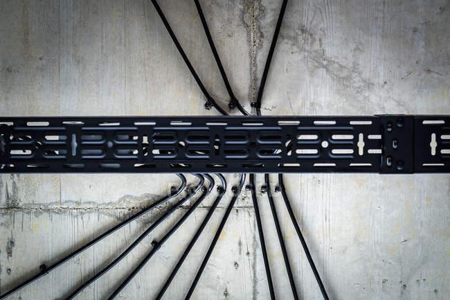 Halterung und Linien an der Decke — Stockfoto