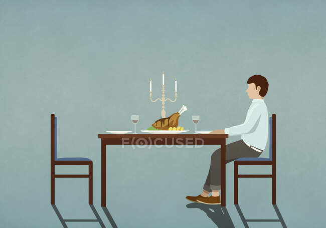 Man waiting at table with candlelight dinner — Stock Photo