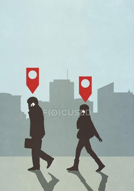 Pin-Symbole über Geschäftsleuten, die in der Stadt auf dem Smartphone laufen und sprechen — Stockfoto