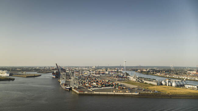 Sunny scenic view Port of Hamburg commercial docks, Germany — Stock Photo